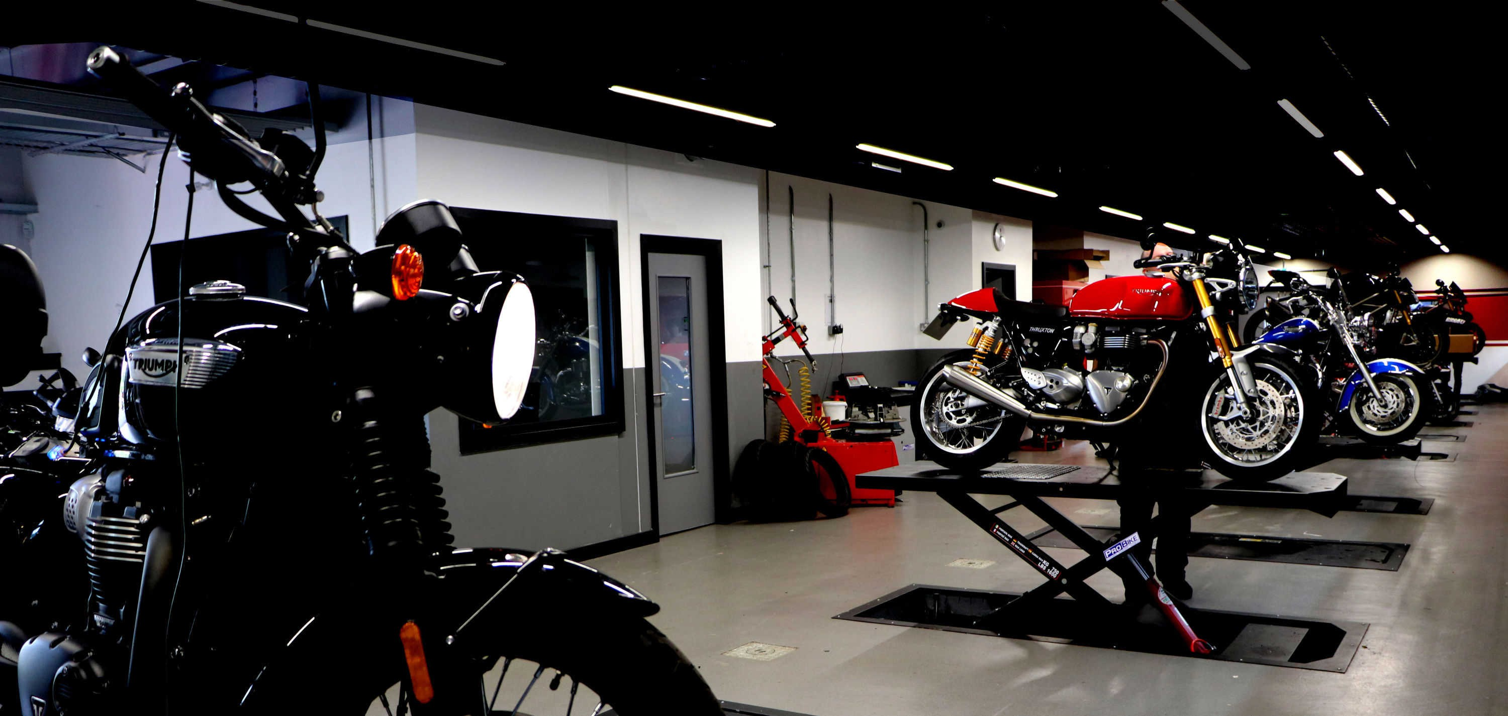 Triumph Glasgow Motorcycle Lifts